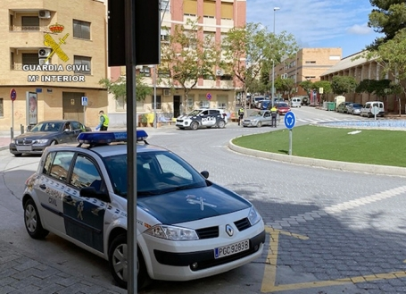 Guardia Civil y Policía Local durante un control en el pasado estado de alarma